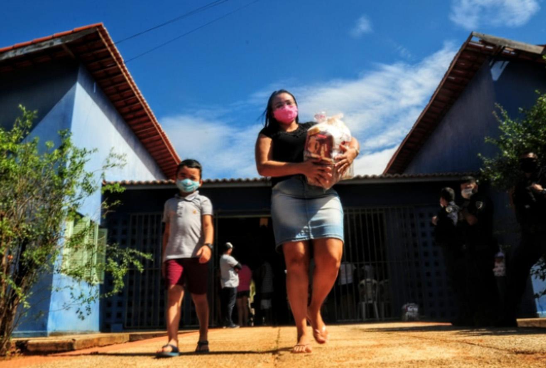 Famílias do polo Lagoinha recebem complementação alimentar