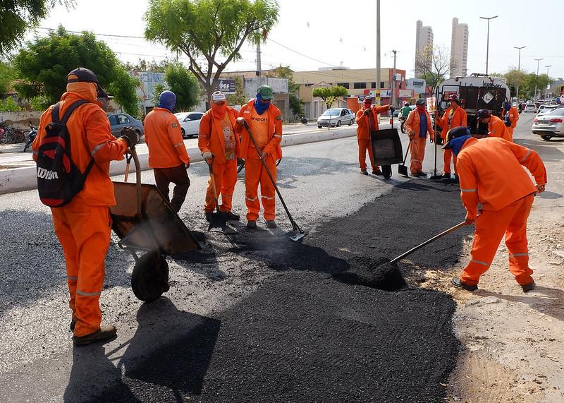 Obras de recomposição asfáltica contemplam Avenida Presidente Dutra