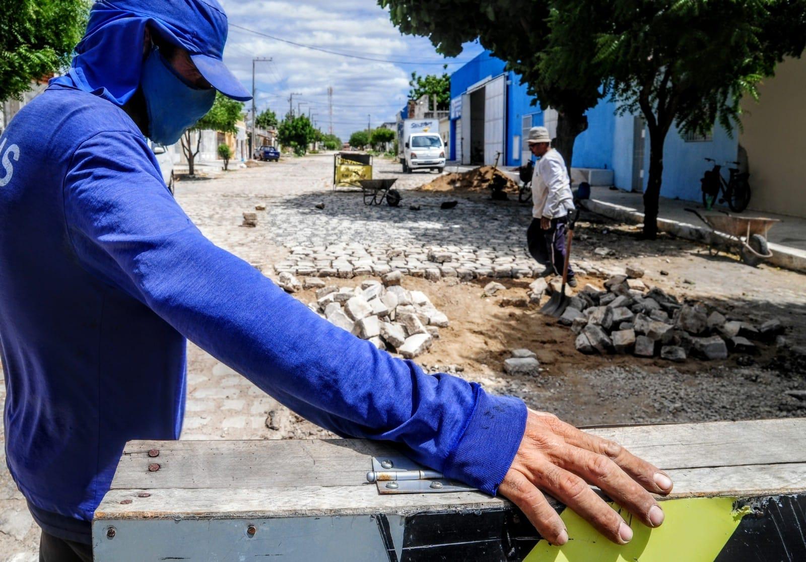 Operação tapa-buracos contempla ruas do Alto da Conceição