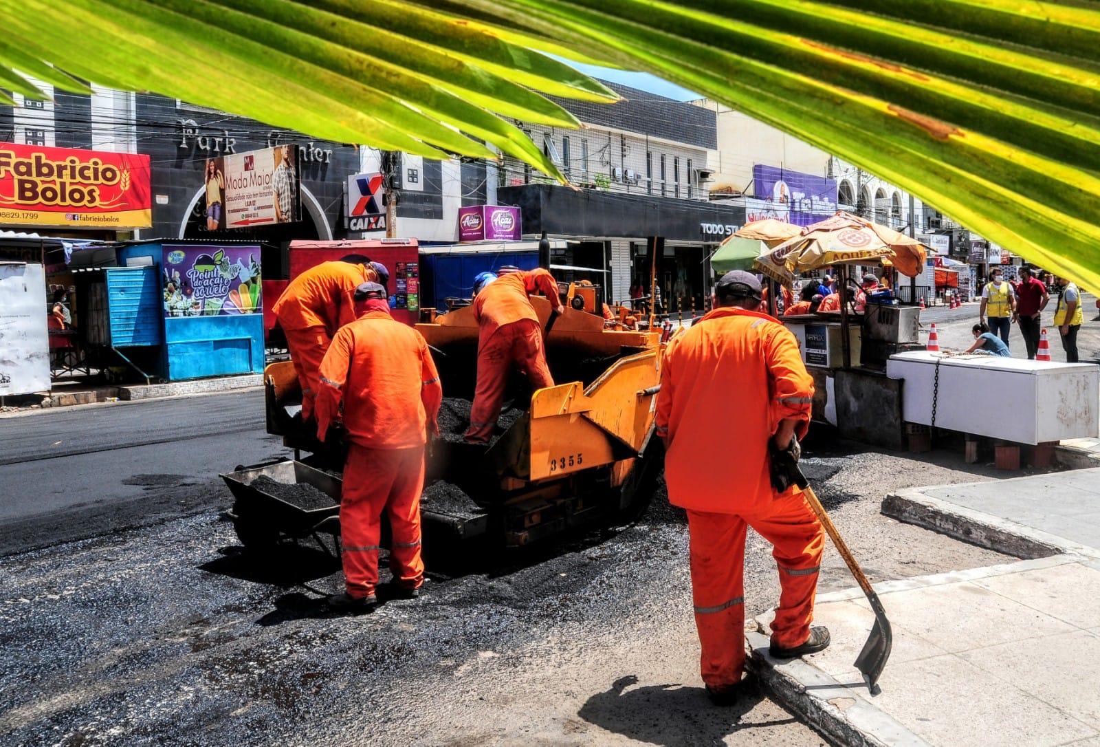 Recuperação do asfalto é realizada em ruas do comércio central de Mossoró