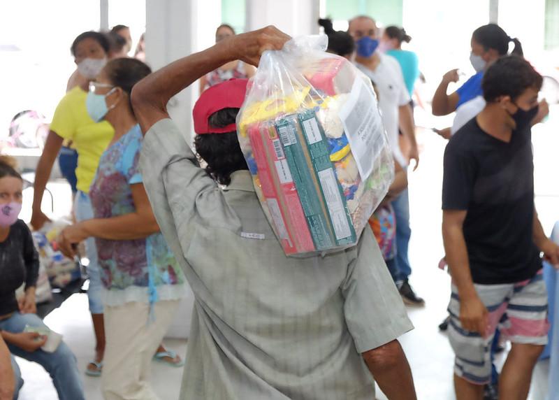 Vacina Solidária: cestas de alimentos são entregues para mais de 80 famílias de Mossoró