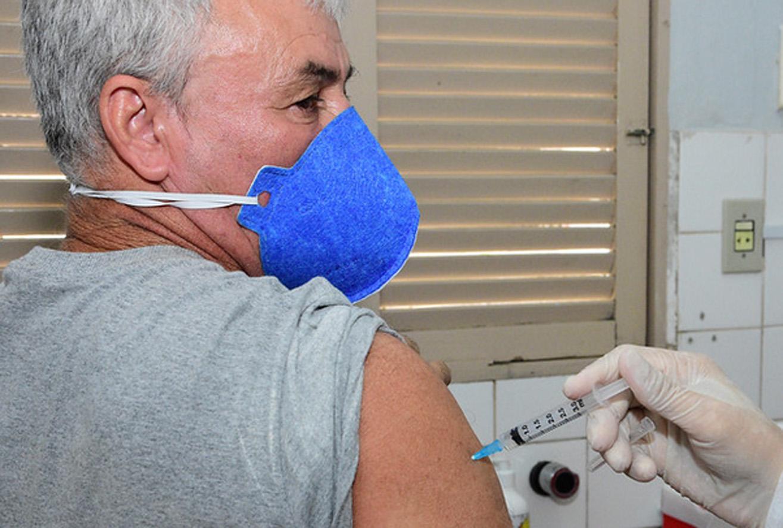 Mossoró inicia vacinação contra a Covid-19 em pessoas acima de 55 anos sem comorbidades