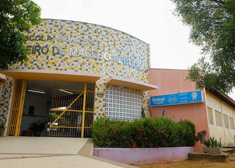 Sanitização para prevenir propagação da Covid-19 é iniciada nas escolas municipais e UEIs de Mossoró
