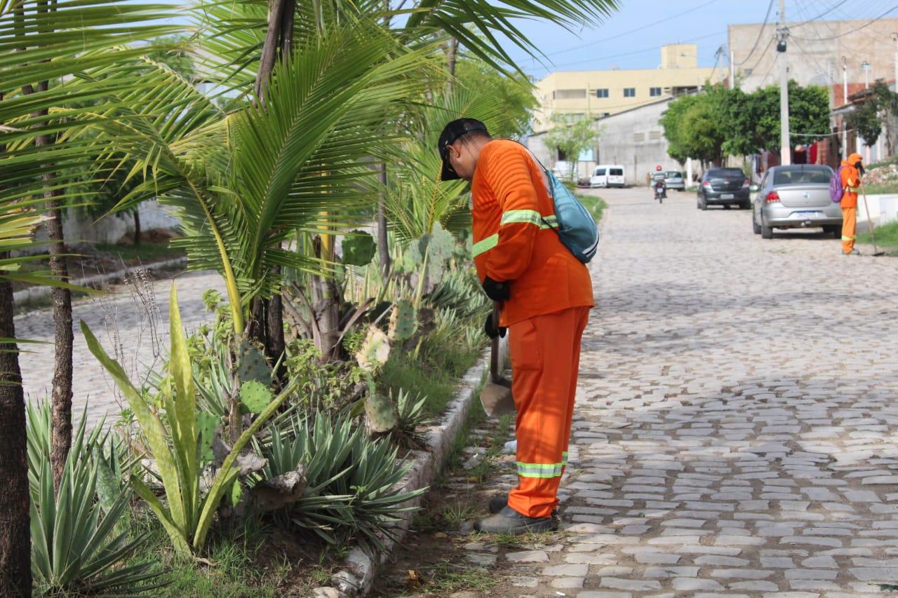Limpeza urbana atende bairros em todas as regiões de Mossoró