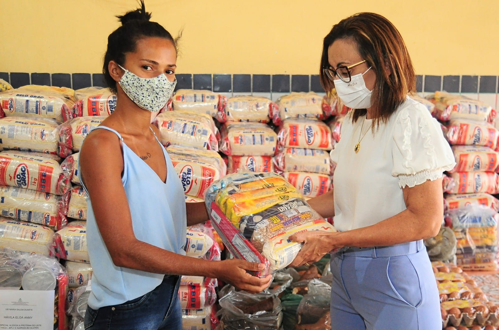 Prefeitura entrega mais 6.100 kits de merenda escolar para alunos das Unidades de Educação Infantil