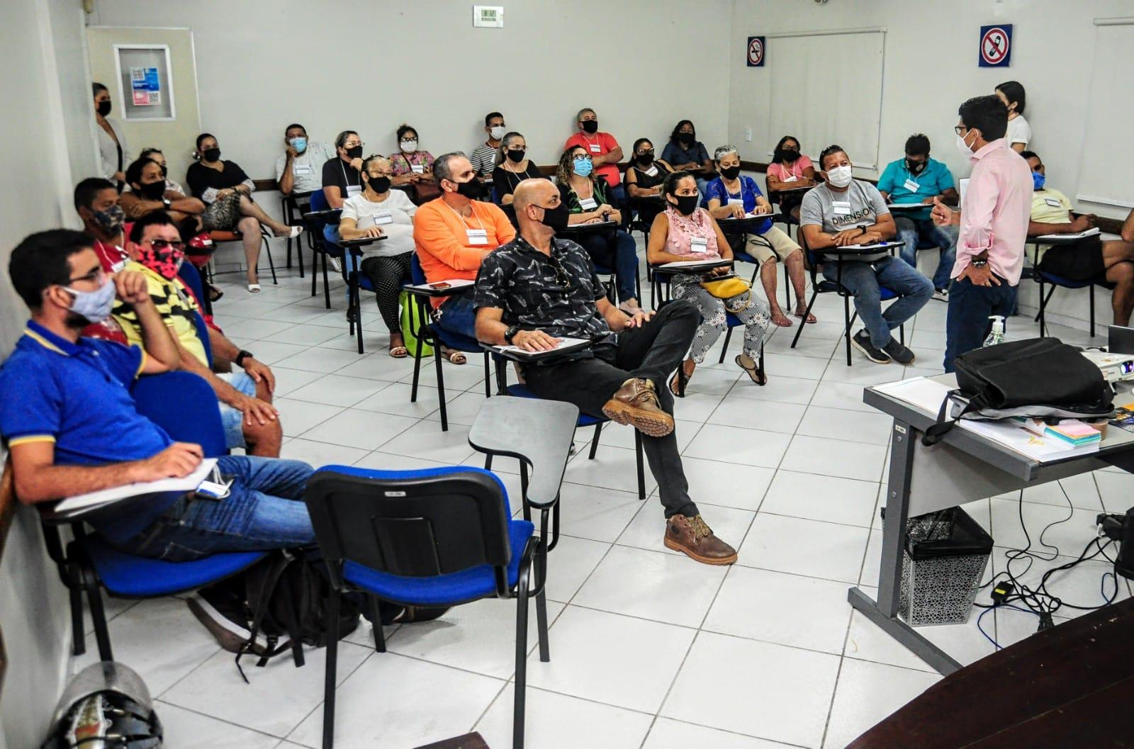 Prefeitura reúne vendedores ambulantes e barraqueiros no planejamento do Mossoró Cidade Junina 2022