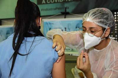 Mossoró amplia vacinação para 33 anos + e  mais dois grupos prioritários para 18 anos +