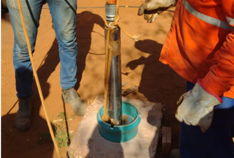 Secretaria instala três bombas e normaliza abastecimento em comunidades rurais
