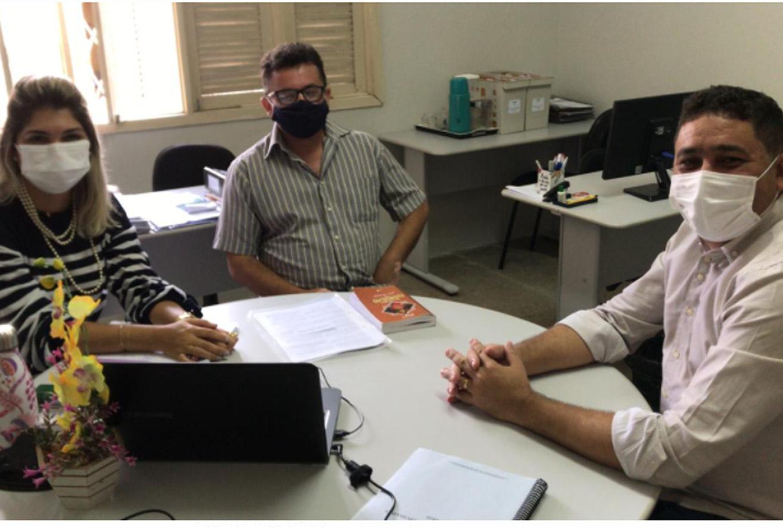 Reunião discute assuntos referentes às ações de fiscalização do Serviço de Inspeção Municipal