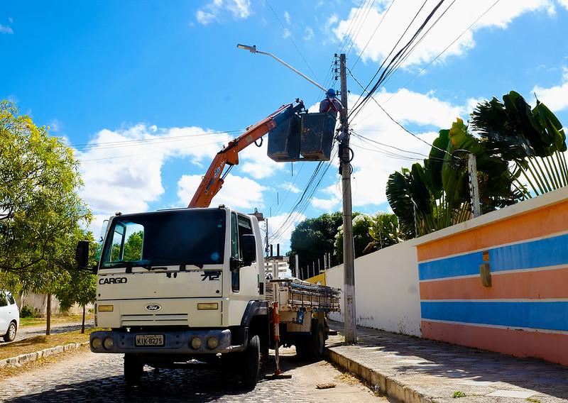Ruas do Bom Jardim e Nova Betânia recebem iluminação de LED