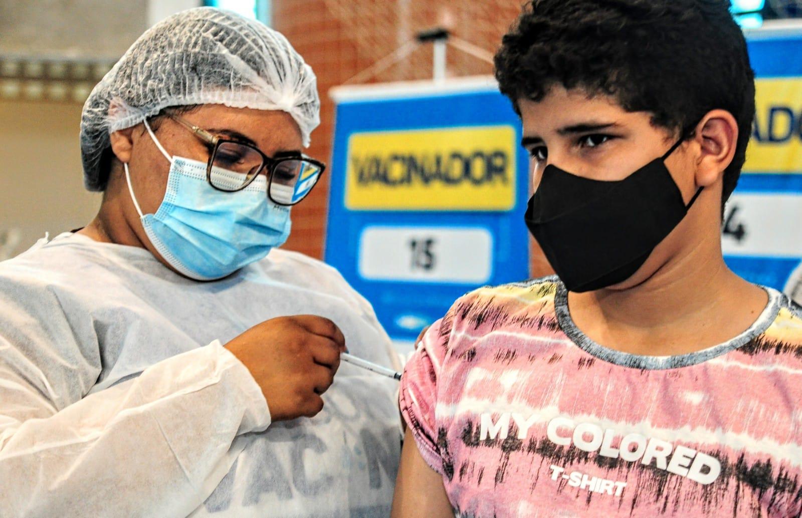Mossoró aplica mais de quatro mil doses de vacinas contra a Covid-19 no fim de semana