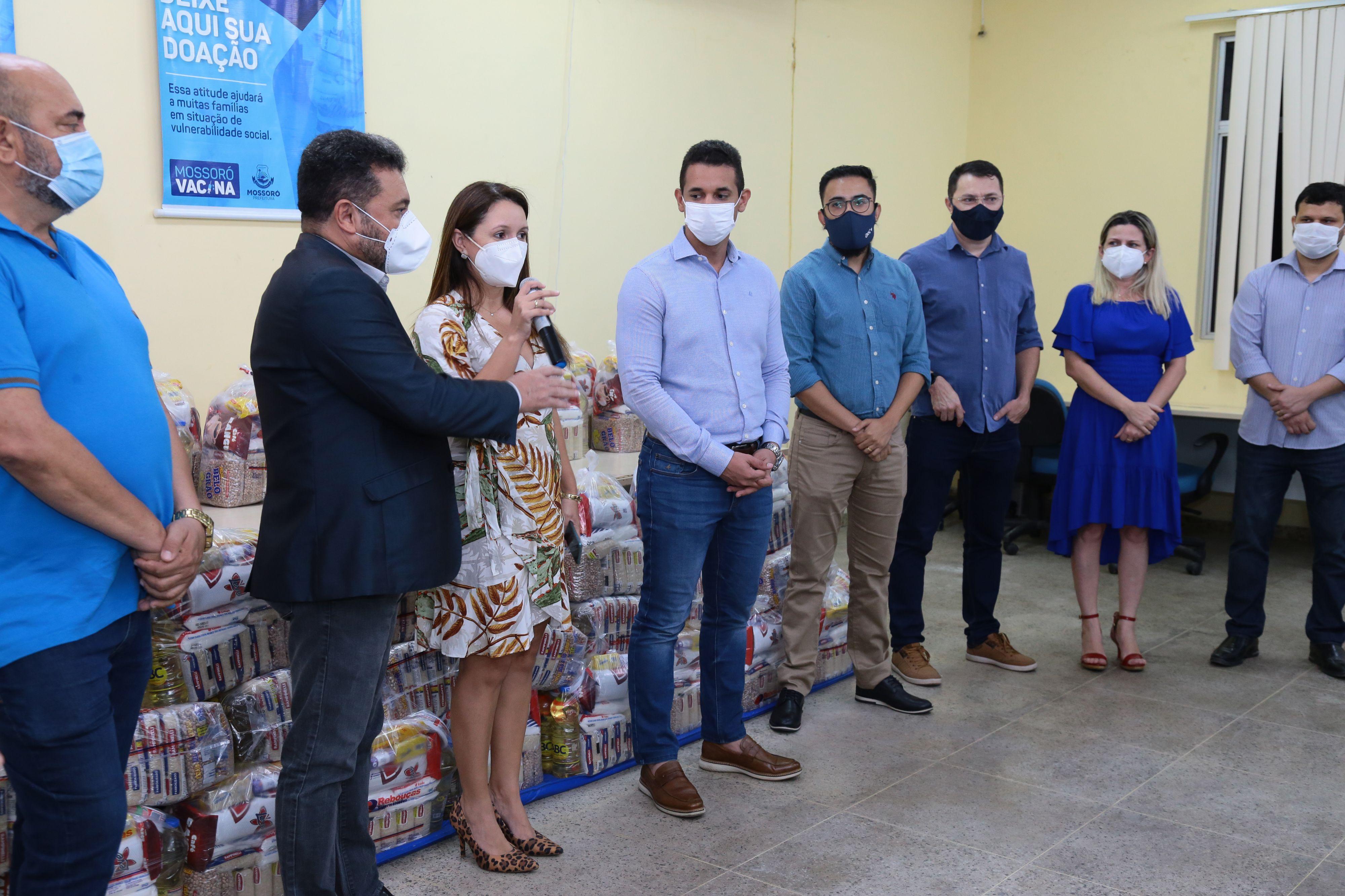 Campanha Vacina Solidária recebe doação de 600 cestas de alimentos da empresa AeC