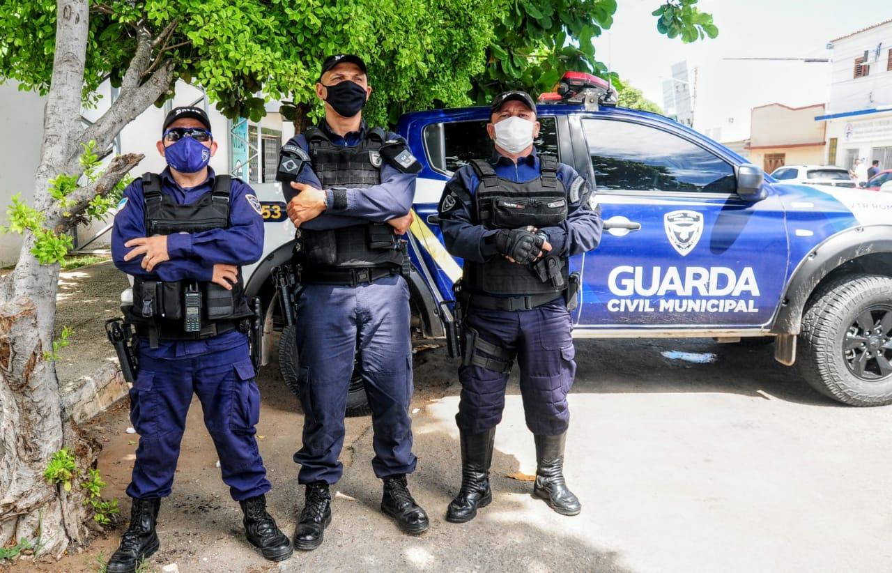 Guarda Municipal garante segurança em pontos de vacinação