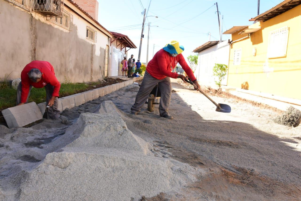Comunidade Pereiros é beneficiada com obras de pavimentação