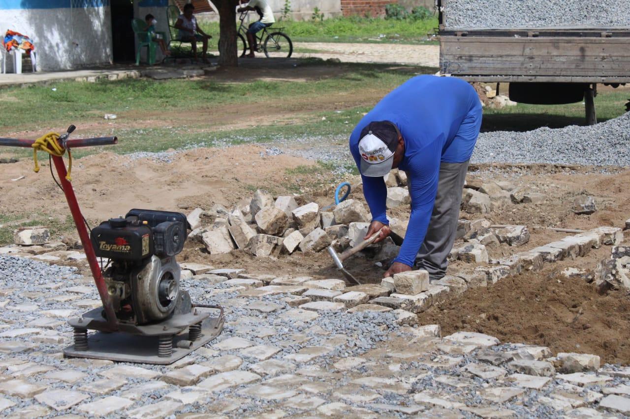 Obras de infraestrutura avançam no bairro Barrocas