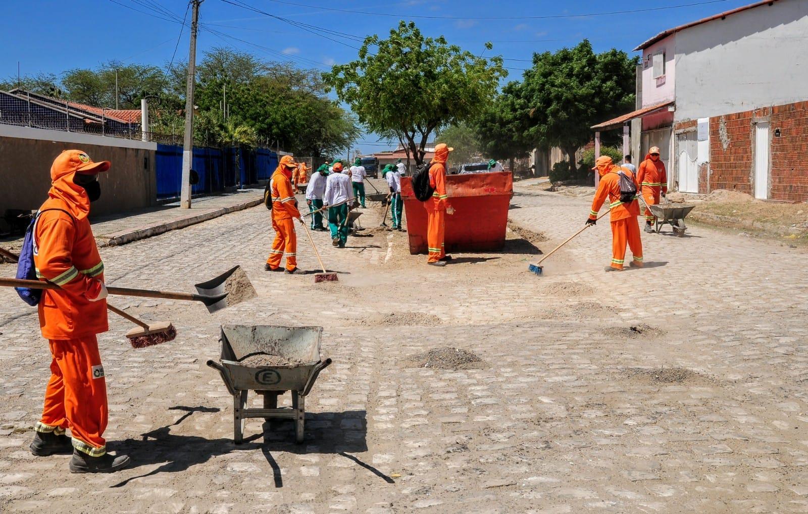 """Zona Norte da cidade recebe mutirão de serviços do """"Mossoró Limpa"""""""