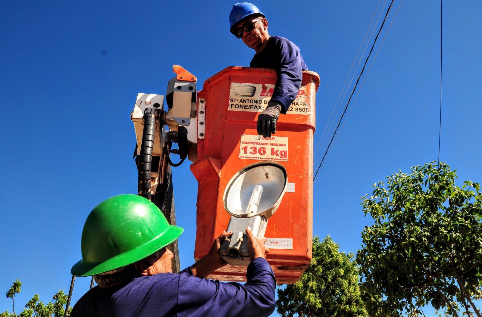 Prefeitura instala mais de 120 lâmpadas de LED em comunidades rurais