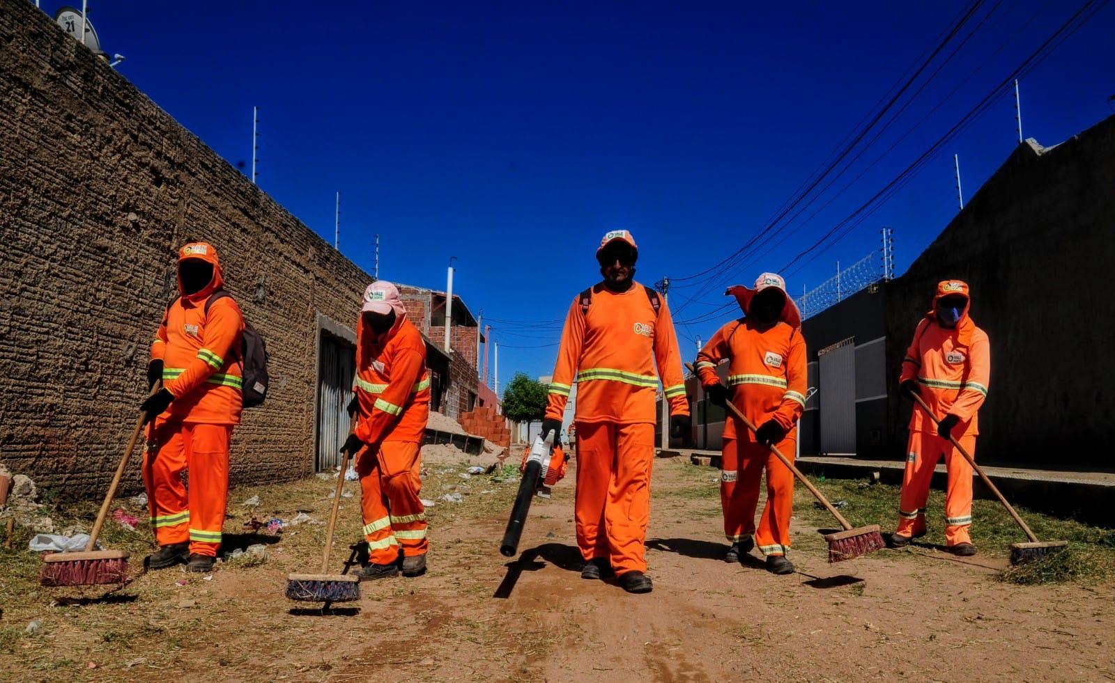 """""""Mossoró Limpa"""": Quixabeirinha recebe mutirão de serviços urbanos e infraestrutura"""