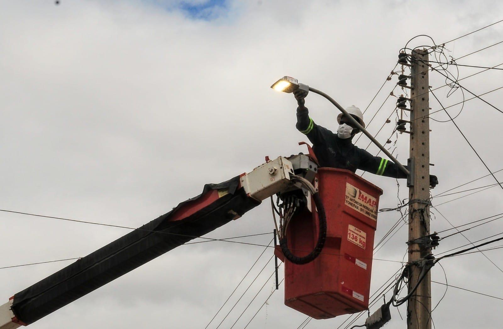 """""""Mossoró Iluminada"""": Prefeitura instalou mais de 7 mil luminárias LED neste ano"""