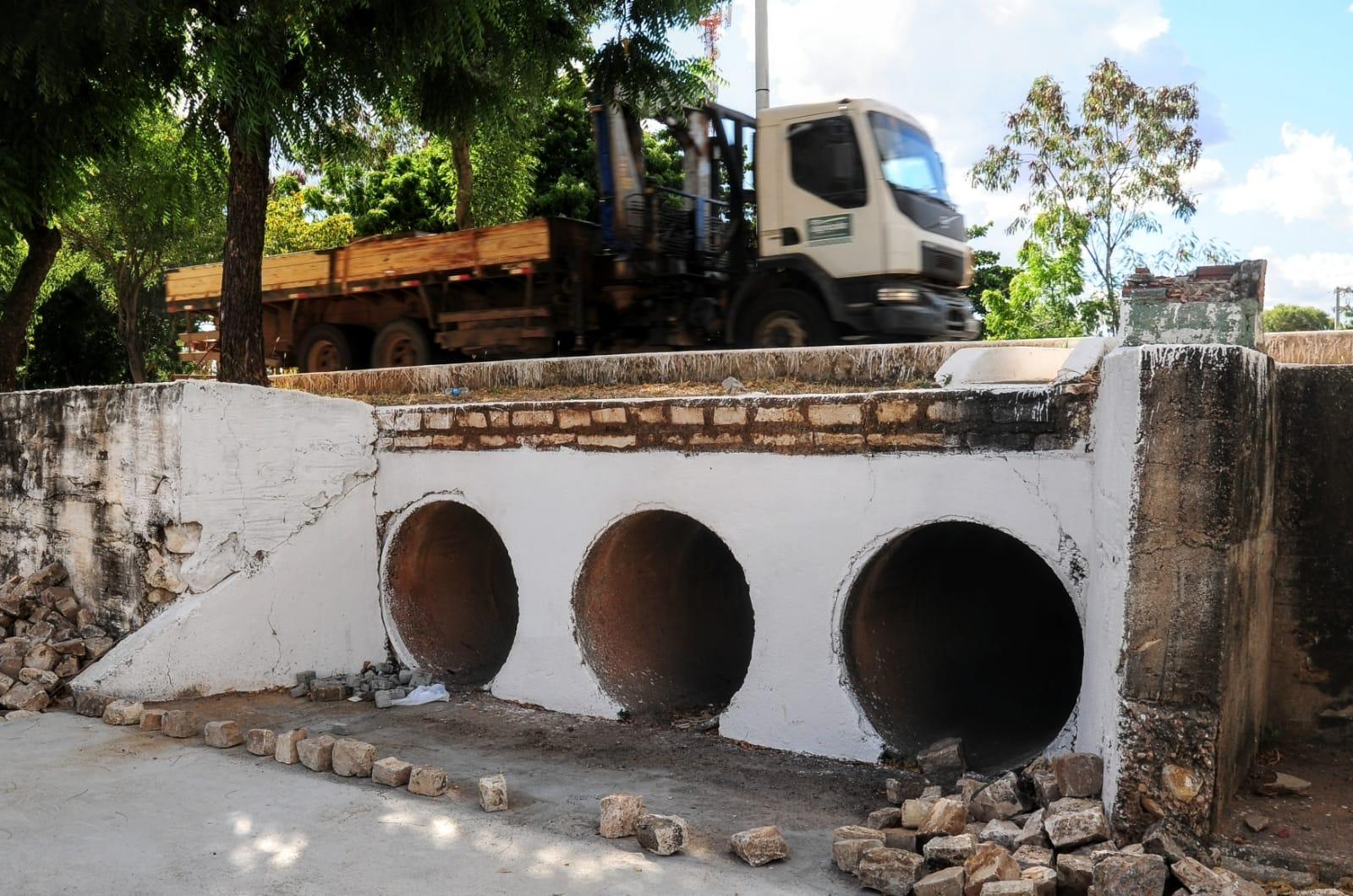 Obras de drenagem beneficiam moradores do bairro Aeroporto