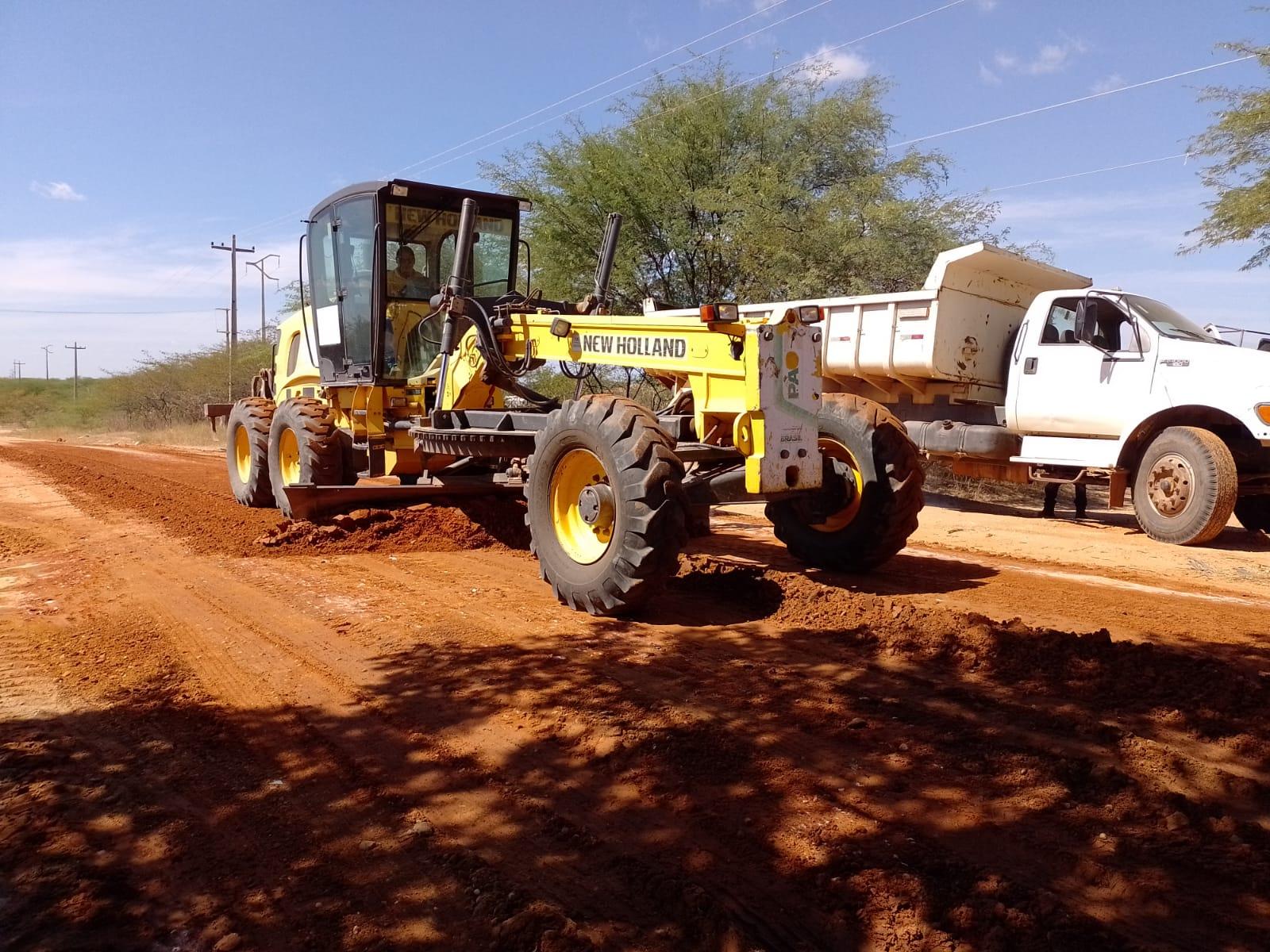Secretaria de Infraestrutura realiza recuperação em via de acesso a Passagem de Pedras