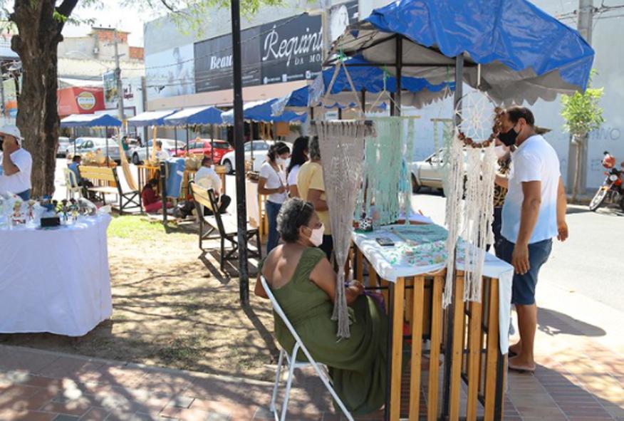 Secretaria atende solicitação de artesãos e realiza feirinha neste sábado em virtude do Dia dos Pais