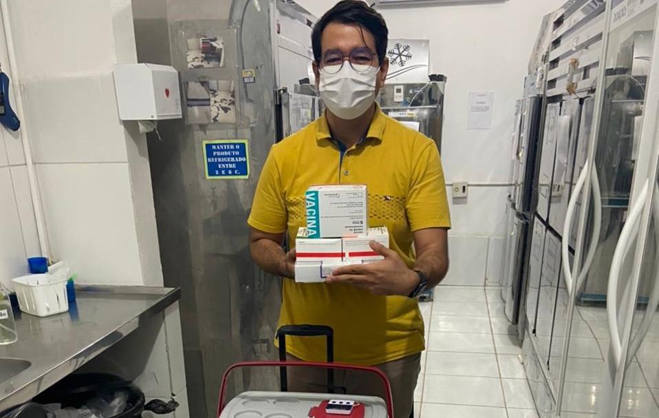 Mossoró recebe novo lote com 14.729 doses de vacinas para reforço e segunda dose