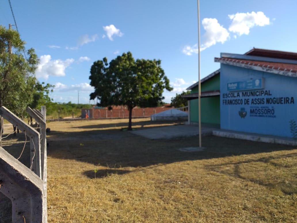 Serviços de limpeza alcançam unidades de ensino das zonas urbana e rural
