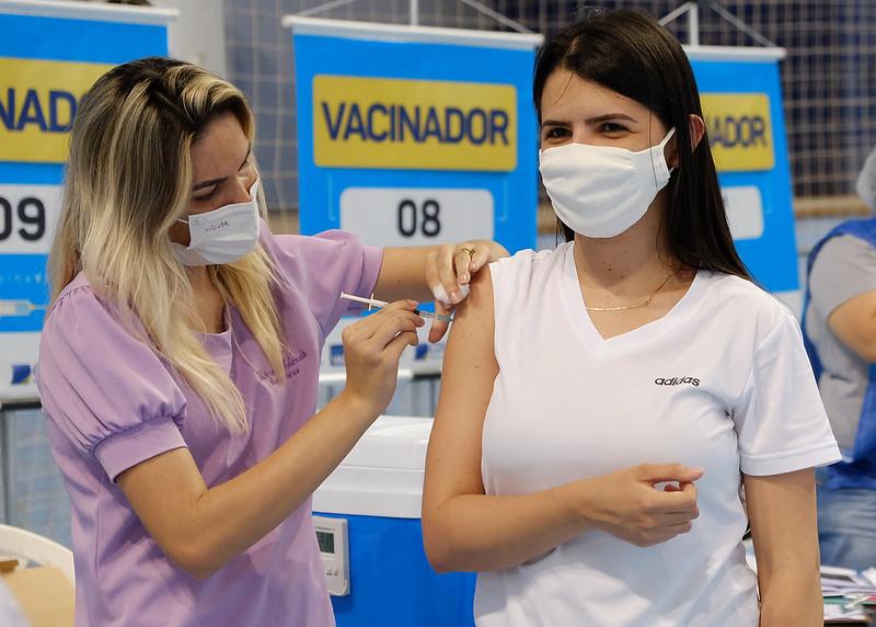 Mossoró anuncia início da vacinação do público-geral a partir de 27 anos