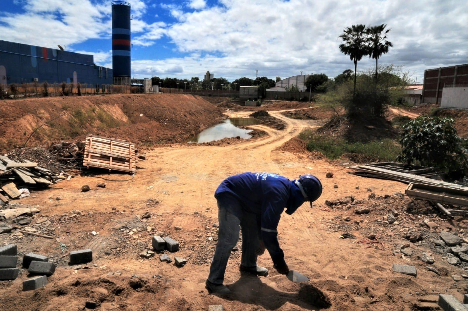 Prefeitura avança com obras e serviços na Lagoa do Bispo e adjacências