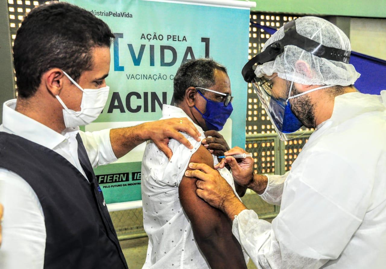 Covid-19: Prefeitura abre novo ponto de vacinação e renais crônicos são imunizados