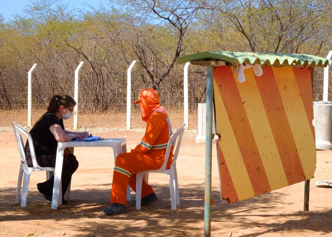 Hepatites virais: ação de Saúde orienta, testa e vacina trabalhadores do Aterro Sanitário