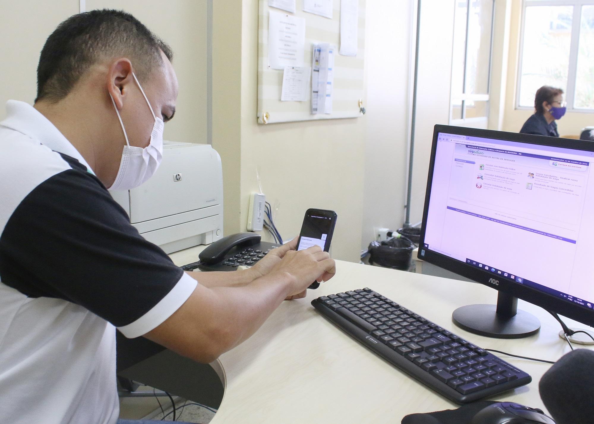 Servidores passam por capacitação para operacionalizar sistema de matrículas on-line