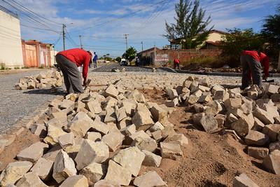 Calçamento de ruas traz acessibilidade e segurança para moradores do Santo Antônio