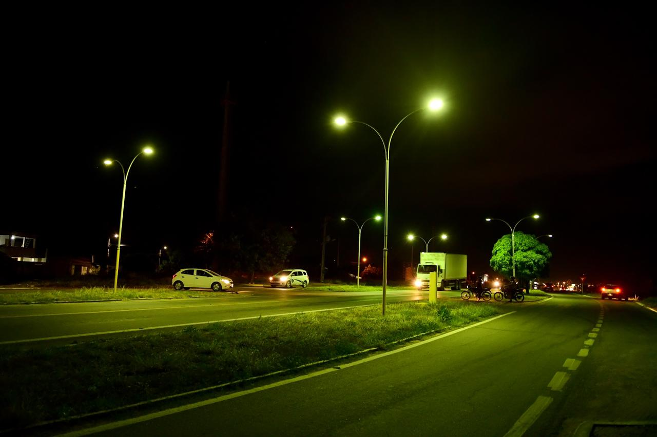 Prefeitura instala 24 luminárias de LED no acesso ao Cidade Alta