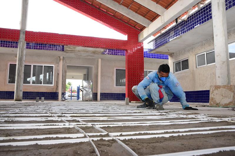 Obras de construção da UEI Proinfância do bairro Planalto 13 de Maio seguem em ritmo acelerado