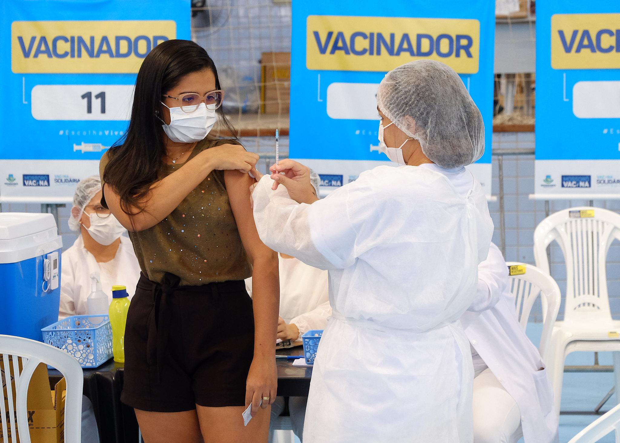 Mossoró inicia vacinação dos adolescentes de 12 anos ou mais
