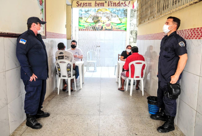 Abrigo temporário começa a receber novos acolhidos em situação de rua