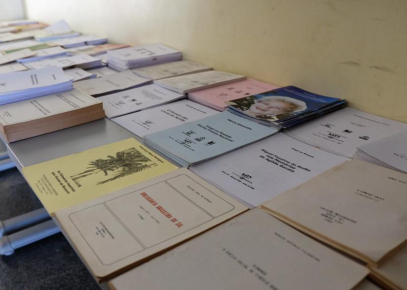 Campanha Adote Obras da Coleção Mossoroense distribui livros gratuitamente para leitores