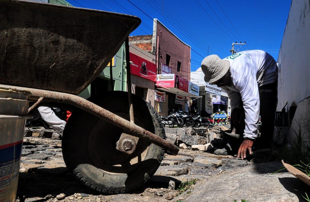 Comerciantes do Centro da cidade comemoram recuperação de vias públicas