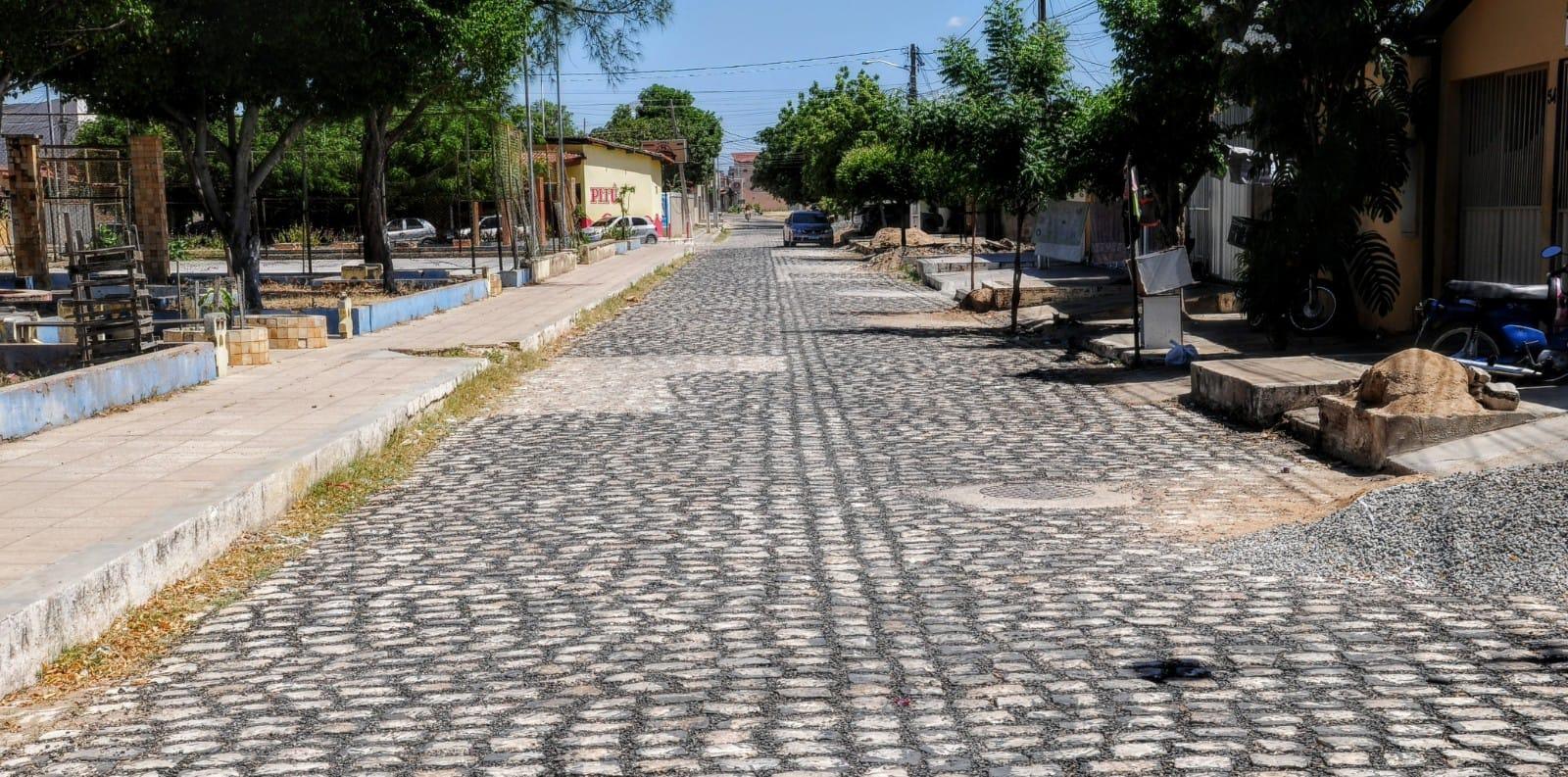 Obras de tapa-buracos contemplam ruas da Ilha de Santa Luzia