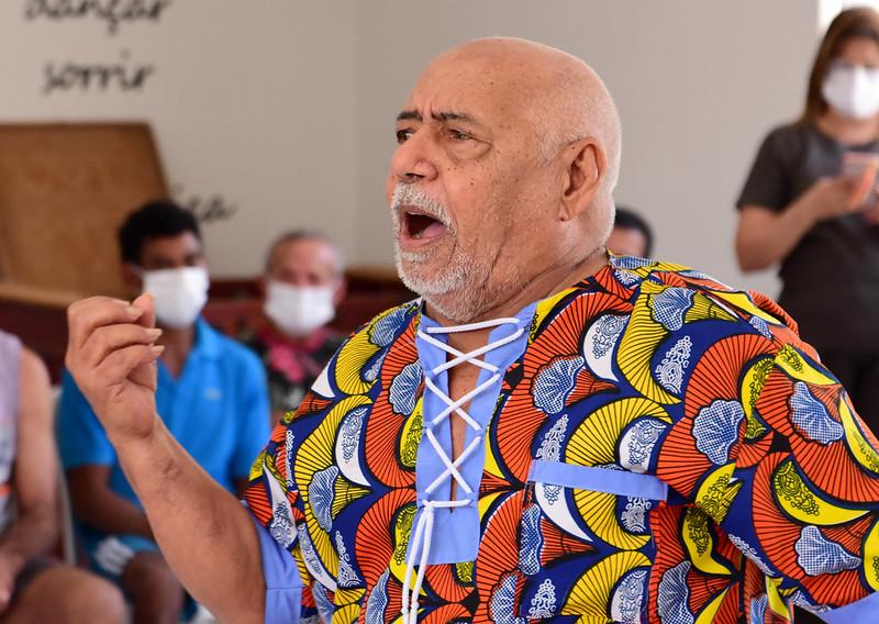 Hospital psiquiátrico promove atividade cultural com presença do poeta Antônio Francisco