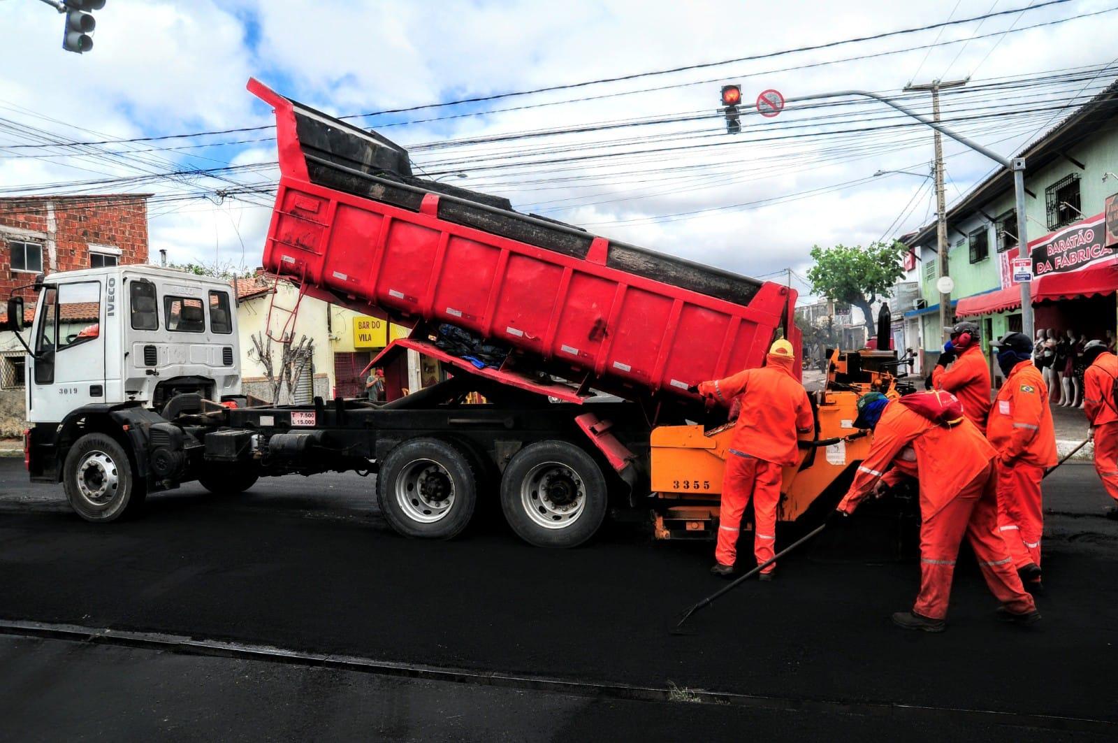 Obras de asfalto chegam ao bairro Boa Vista