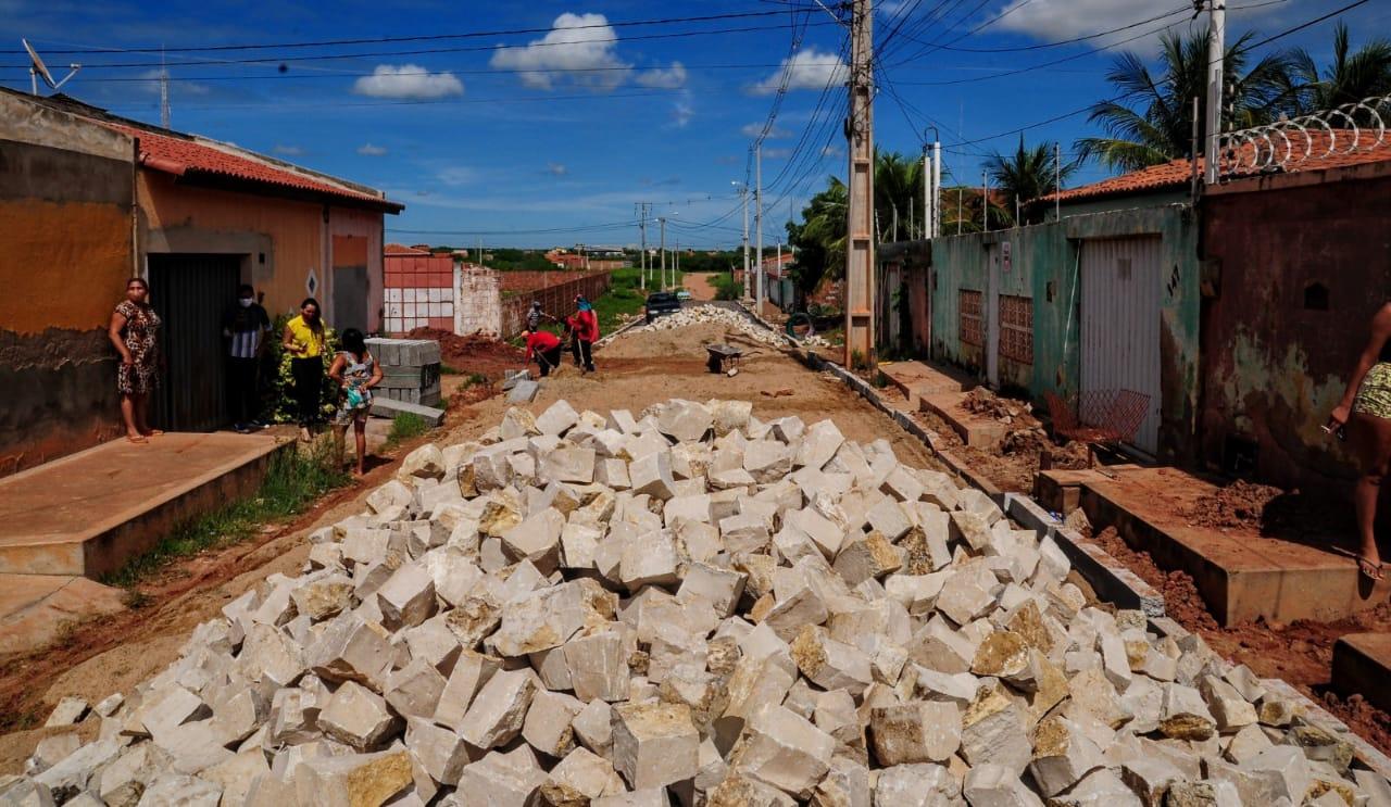 Pavimentação de ruas beneficia moradores do Rincão