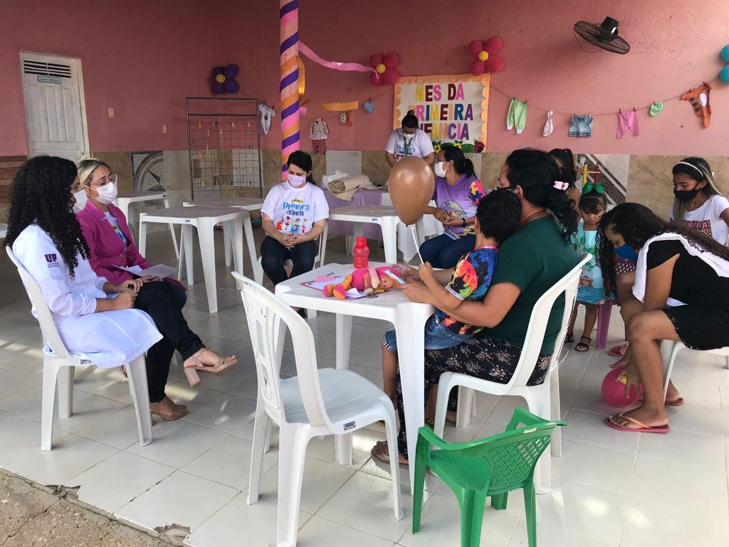 Palestra aborda importância do aleitamento e introdução alimentar na primeira infância