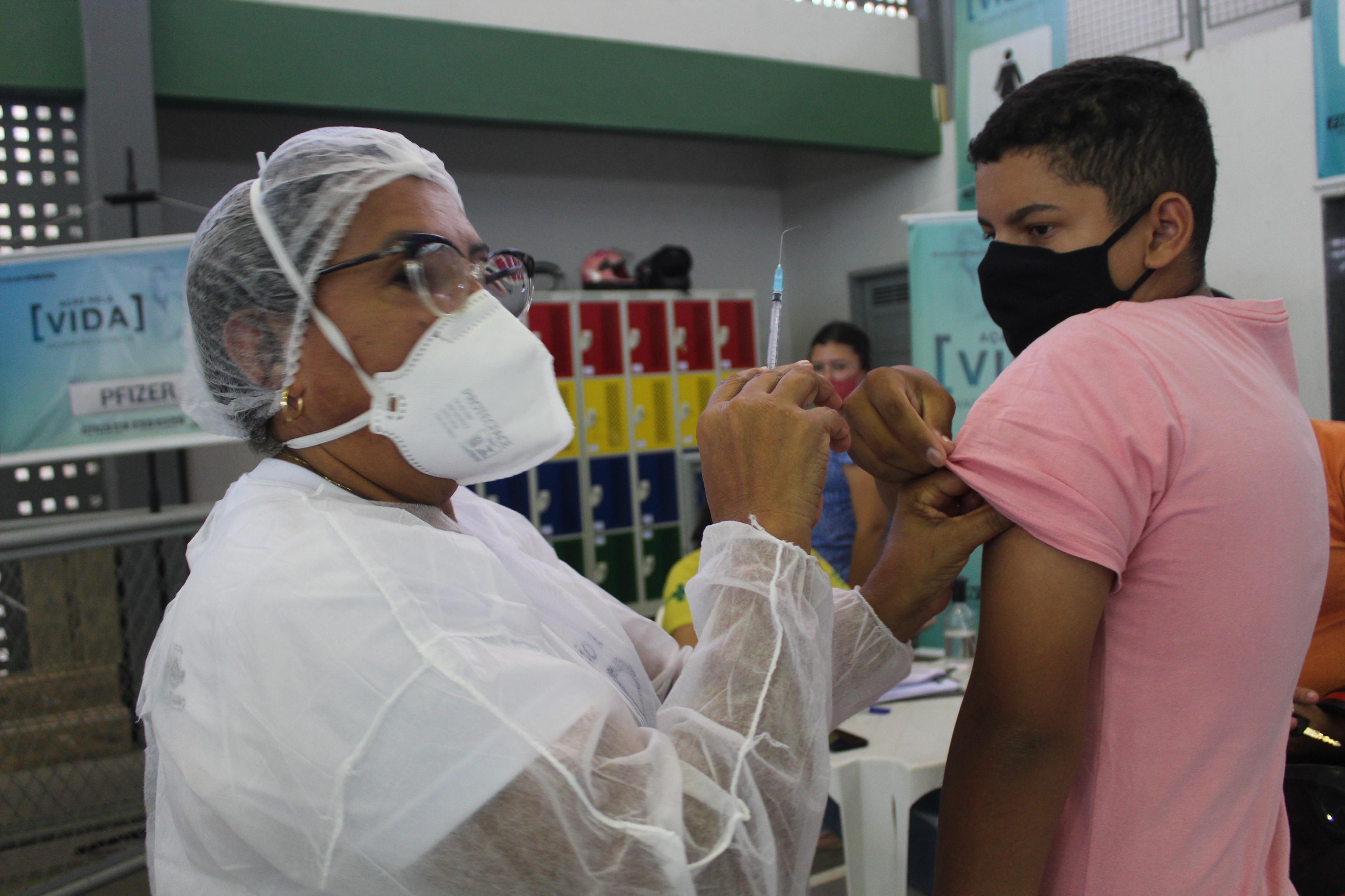 Mossoró vacina adolescentes de 15 anos a partir de hoje