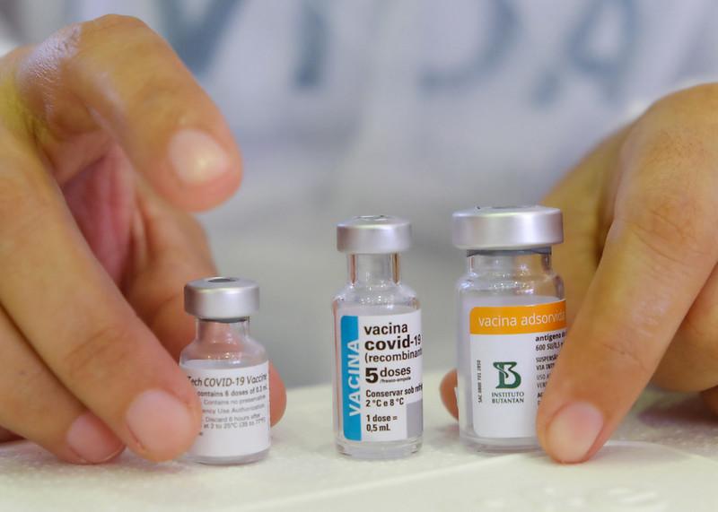 Covid-19: sem doses para primeira aplicação, município suspende parcialmente a vacinação