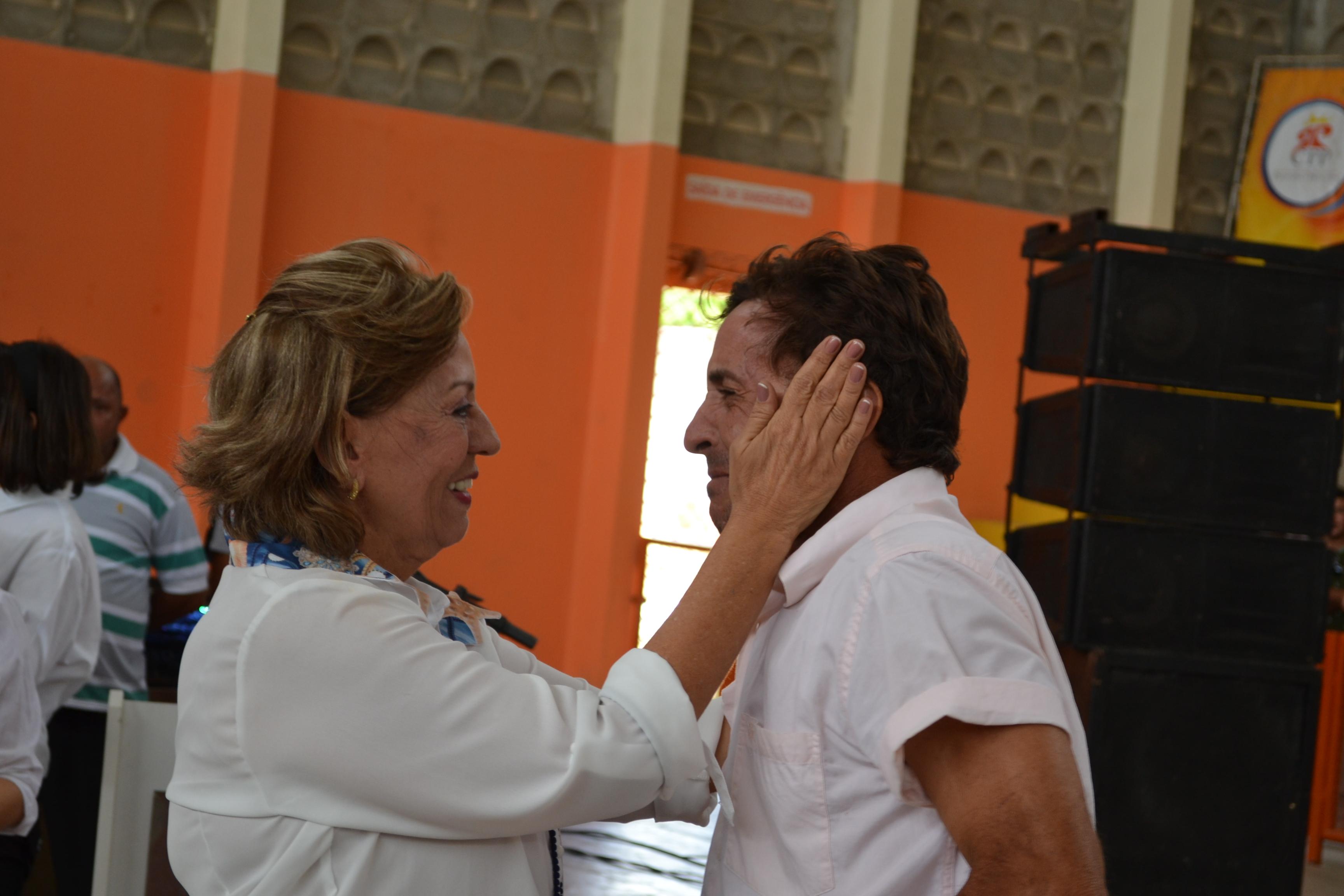 Emoção e agradecimentos marcam sorteio de casas do Conjunto Odete Rosado