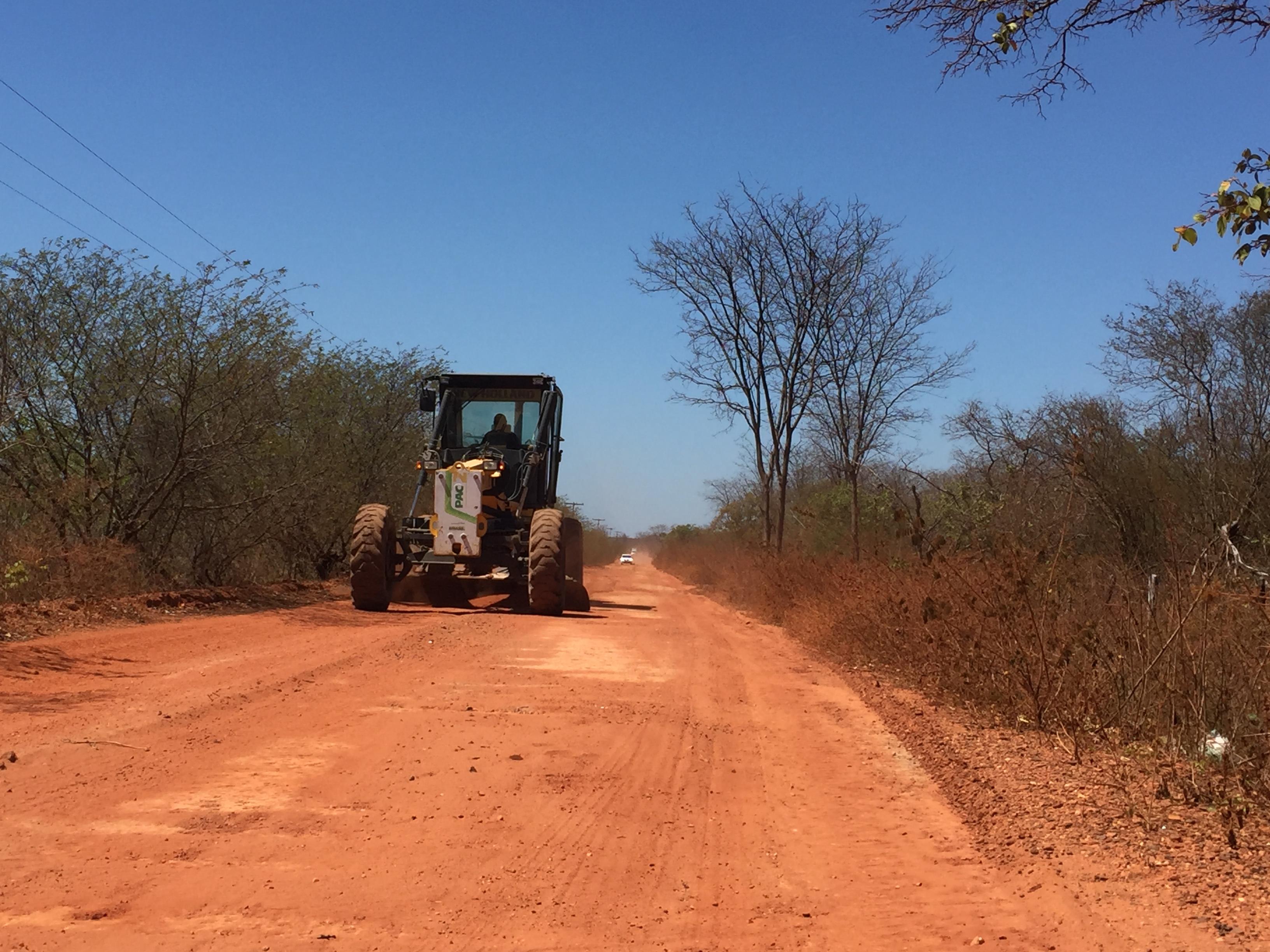 Estradas vicinais passam por manutenção para melhoria do acesso às comunidades rurais