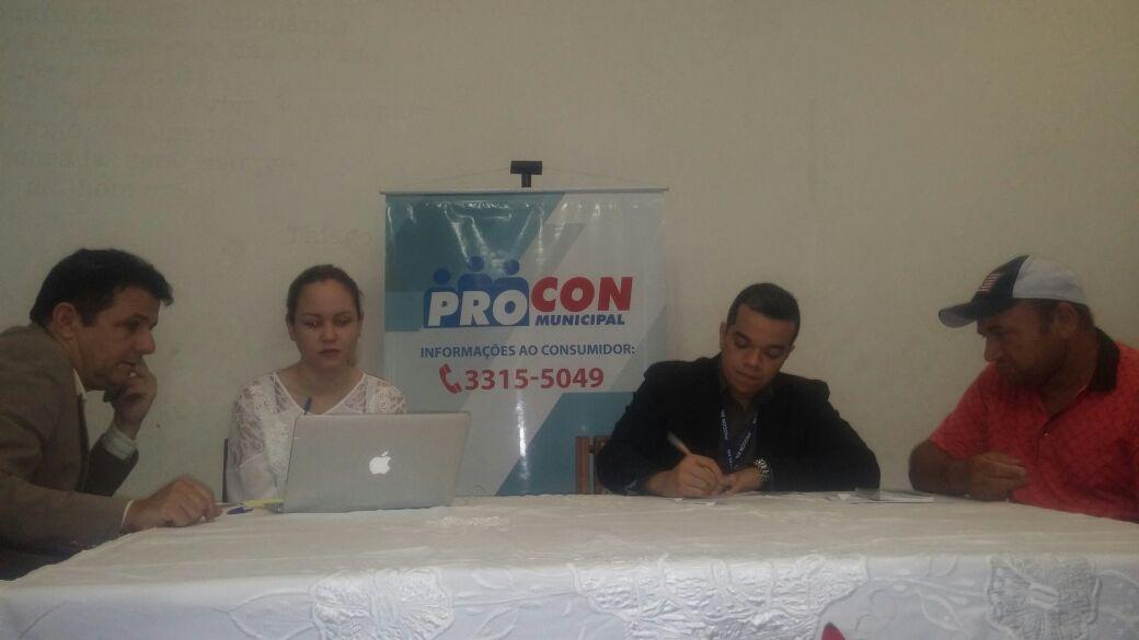 Procon realiza mutirão para negociação de dívidas de consumidores superendividados